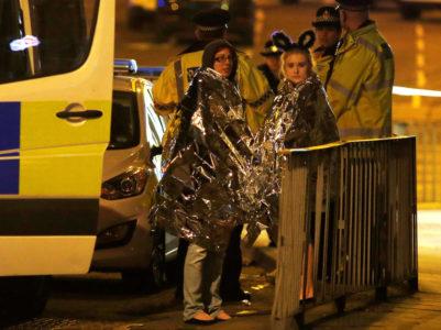 Όλα όσα ξέρουμε μέχρι τώρα για το τρομοκρατικό χτύπημα στη συναυλία της Αριάνα Γκράντε στο Μάντσεστερ