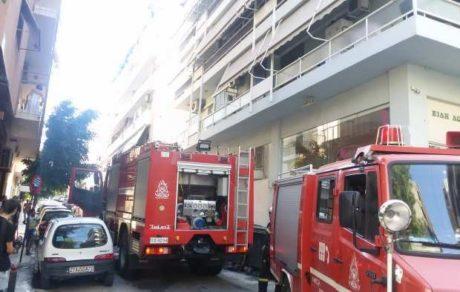 18χρονος στην Πάτρα τσακώθηκε με την μάνα του και της έκαψε το αμάξι