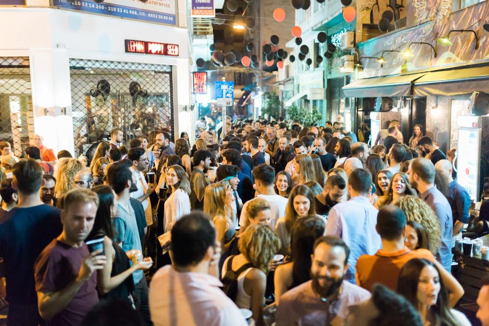 Νέος, ωραίος και Μηλοκλέφτης: Πήγαμε στο street party για τα έβδομα γενέθλια του Τρανζίστορ και δοκιμάσαμε τον πρώτο ελληνικό μηλίτη