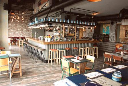 High School: Το all day casual restaurant του Θερμαϊκού που παίρνει άριστα 10