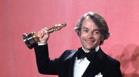 Στα 81 του χρόνια πέθανε ο οσκαρικός σκηνοθέτης του «Ρόκυ» και «Καράτε Κιντ», Τζον Αβιλντσεν