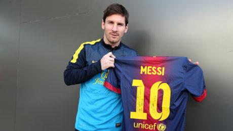 Ο Μέσι ανανέωσε το συμβόλαιο του με την Μπαρτσελόνα μέχρι το 2021