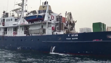 Ακροδεξιοί ναύλωσαν πλοίο και κινούνται εναντίον μεταναστών στη Μεσόγειο