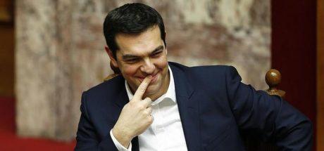 Χαμογελαστά πρόσωπα δήλωσε ότι βλέπει στις βόλτες του στη Αθήνα ο Πρωθυπουργός