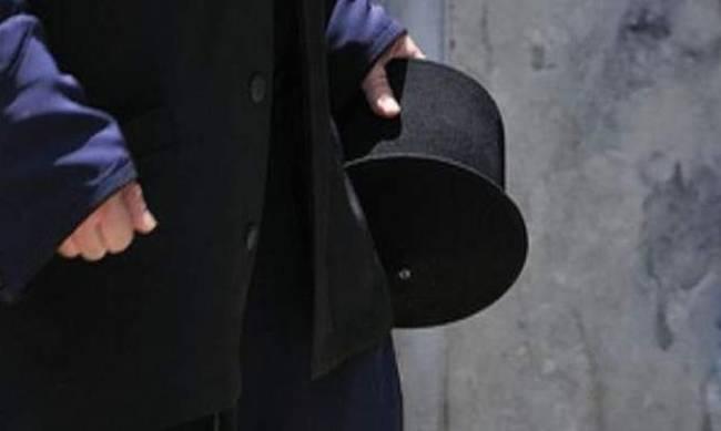 Ιερέας συνελήφθη στην Παλαιά Φώκαια γιατί έστελνε γυμνές του φωτογραφίες σε 14χρονο