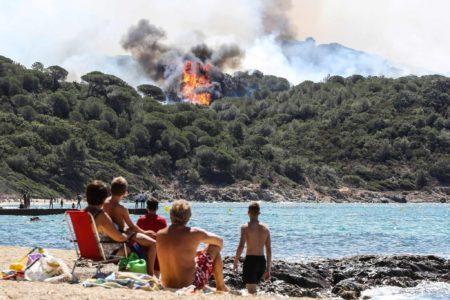 Οι πυρκαγιές καίνε όχι μόνο την Ελλάδα αλλά όλη τη Μεσόγειο και μάλλον υπάρχει λόγος γι'αυτό
