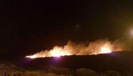 Υπό μερικό έλεγχο η φωτιά στην Τζια: προσπαθούσαν να τη σβήσουν ένας εθελοντής και ένας πυροσβέστης