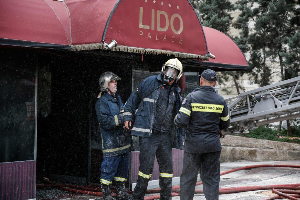 Τίμιος ιδιοκτήτης στριπτιτζάδικου επι της Συγγρού ομολογεί ότι έκαψε το μαγαζί του για να μην το πάρουν οι τοκογλύφοι