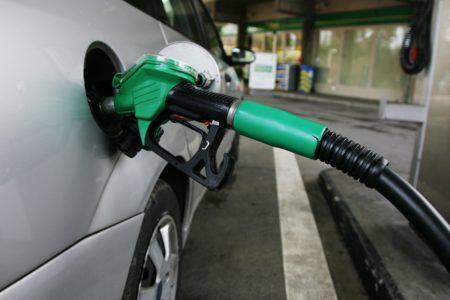 Όλη η Τρίπολη φούλαρε τσάμπα από βλάβη αυτόματου πωλητή σε βενζινάδικο