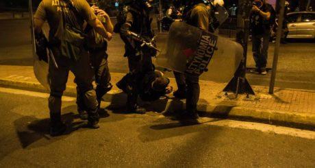 Διασωληνωμένος νοσηλεύεται 16χρονος που προσπάθησε να διαφύγει της σύλληψης χθες στην Αθήνα