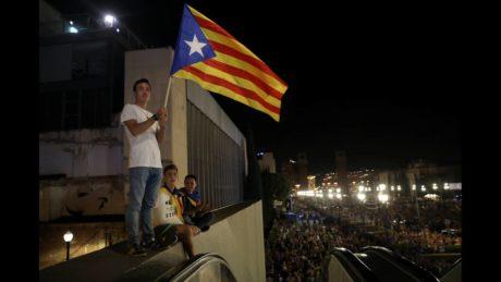 Αγριεύει η Μαδρίτη εν όψει του αυριανού δημοψηφίσματος για την ανεξαρτησία της Καταλονίας