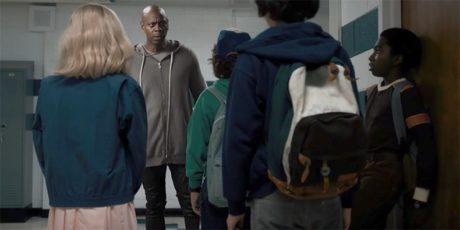 O David Chapelle κάνει bullying στο παρεάκι του Stranger Things στο τελευταίο διαφημιστικό του Netflix