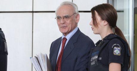 Για μόλις δέκα εκατομμύρια ευρώ καταδίκασαν ξανά οι ασέβαστοι δικαστές τον Άκη Τσοχατζόπουλο