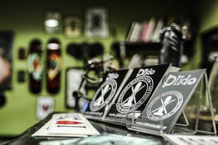 Dildo Tattoo : Μια family business ανάμεσα στα καλύτερα piercing studios της Ευρώπης