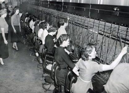 Στο Worker's Fest μιλάει η άλλη άκρη της γραμμής εξυπηρέτησης, και η κλήση της καταγράφεται