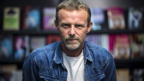 Ο Jo Nesbo έρχεται στην Ελλάδα για να μιλήσει για την αστυνομική λογοτεχνία, τον Χάρι Χόλε και τον «Χιονάνθρωπο»