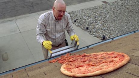 Φράχτη εγκαθιστά ο ιδιοκτήτης του σπιτιού του Breaking Bad για να αποφεύγει τις πίτσες που πετούν φαν της σειράς