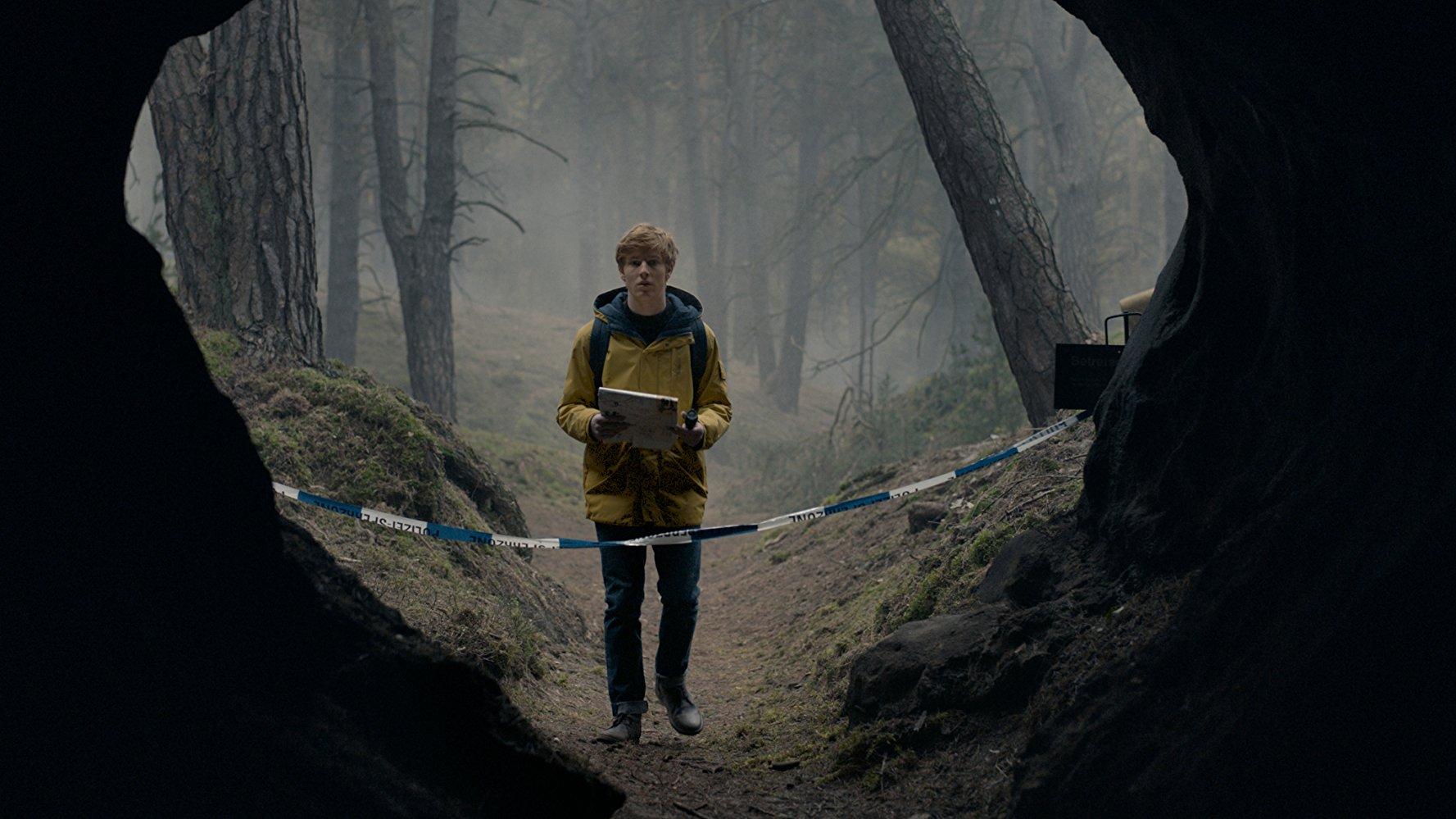 DARK: Το Νetflix μας ρίχνει πάλι στο bingewatching με το «γερμανικό Stranger Things»