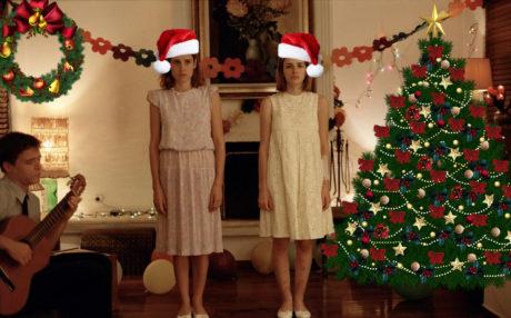 10 αλύπητα αντι-οικογενειακές ταινίες για να αντέξετε τις γιορτές με την δική σας