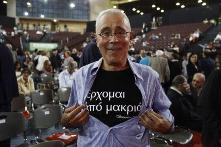 Παραιτείται από υφυπουργός Παιδείας ο Κώστας Ζουράρις επειδή η σάτιρα πεθαίνει αυτό το σαββατοκύριακο