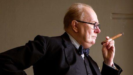 Στο Darkest Hour ο Gary Oldman είναι εντελώς ο πρωθυπουργός Μ. Βρετανίας, Winston Churchill