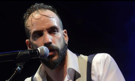 Αισιοδοξία για το 2018: Τελικά δεν τραγούδησε πότε στο ρεβεγιόν της Αθήνας ο Πάνος Μουζουράκης
