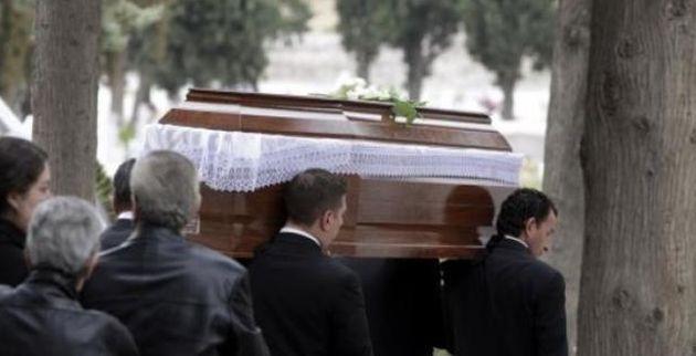 Το λάθος φέρετρο βρέθηκε στη λάθος κηδεία σε χωριό της Βοιωτίας