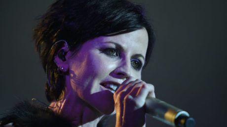 Πέθανε σε ηλικία μόλις 46 χρονών η τραγουδίστρια των Cranberries
