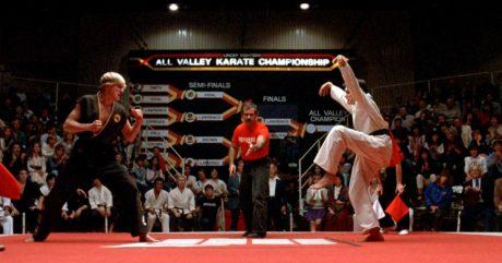 Ο Λαρούσο και ο θανάσιμος εχθρός του από το Karate Kid συναντιούνται ξανά στη σειρά Kobra Kai