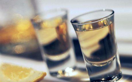 Το 90% των Ελλήνων κατάφερε να μην καταγραφεί ως αλκοολικό