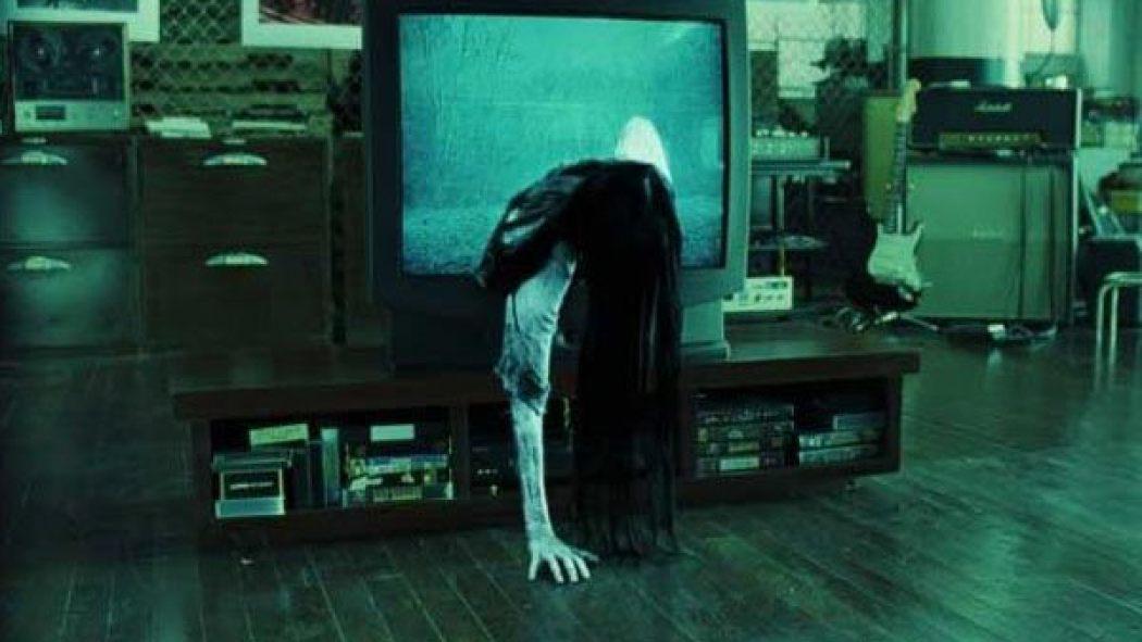 Το πιτσιρίκι του The Ring βγαίνει από μια αληθινή τηλεόραση και σπέρνει augmented-reality τρόμο