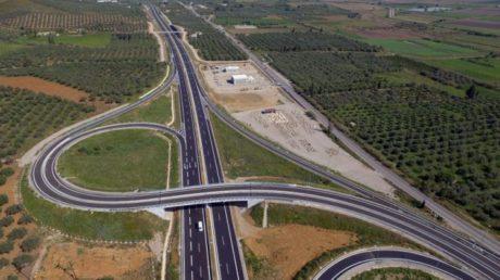 ΣΟΚ: Είναι σκατά και κόστισαν όσο το Death Star οι ελληνικοί αυτοκινητόδρομοι λέει η ΕΕ