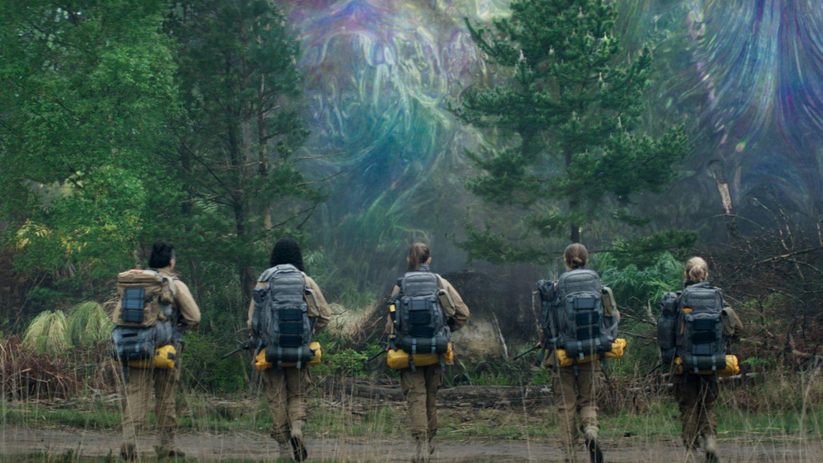 To «Annihilation» αγκαλιάζει σφιχτά τον sci-fi κινηματογραφικό εφιάλτη