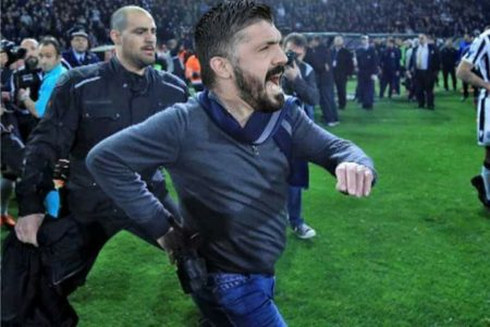 Πέναλτι από τα πιο υγρά όνειρα της ελληνικής παράγκας κέρδισε η Άρσεναλ στο Europa League