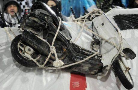 Λύθηκε το μυστήριο: Με ασθενοφόρο διεκομίσθη στο γήπεδο της Τούμπας το δίκυκλο