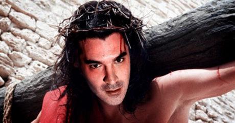 Αν ο Χριστόφορος ο Παπακαλιάτης σκηνοθετούσε τον «Ιησού από τη Ναζαρέτ»