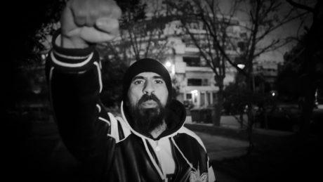 """Το Σάββατο 28 Απριλίου ο 12oς Πίθηκος παρουσιάζει το νέο του άλμπουμ """"ΑΞΙΟΠΡΕΠΕΙΑ"""" στο Fuzz"""