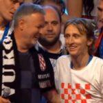 Τραγούδησε ο Μόντριτς φασιστικό τραγούδι αγκαζέ με τον Σφακιανάκη της Κροατίας;