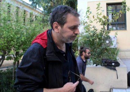 Ο Χίος ζητά συγγνώμη για εξώφυλλο του «Μακελειού», το τέλος είναι σίγουρα κοντά