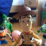 Δύο αδέρφια ξαναγύρισαν μόνοι τους ολόκληρο το Toy Story με πραγματικά παιχνίδια, κι απλά κάτι μπήκε στο μάτι μας