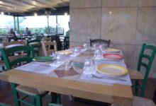 Στο «Λυκονέρι» αποθεώνουν την παράδοση με υλικά και συνταγές απ' όλη την Ελλάδα