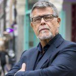 Να αλλάξει νομικά την ηλικία του για να σκοράρει στο Tinder ζητά 69χρονος Ολλανδός εντερπρενέρ