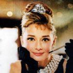 Έρχεται βιογραφία της Audrey Hepburn από τους δημιουργούς του Young Pope, θα λιώσουν οι οθόνες από το στυλ