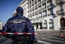 Αστυνομικός της ΕΛ.ΑΣ. ξυλοκοπά 24χρονη υπάλληλο που τον απέρριψε, συλλαμβάνεται