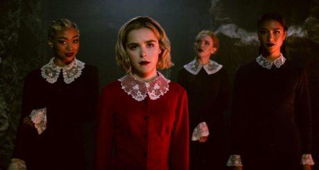 Αυτό είναι το trailer του δεύτερου κύκλου Sabrina, κι έρχεται πολύ πιο σύντομα απ' όσο νομίζετε